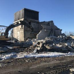 Viruvere tööstuse lammutustööd